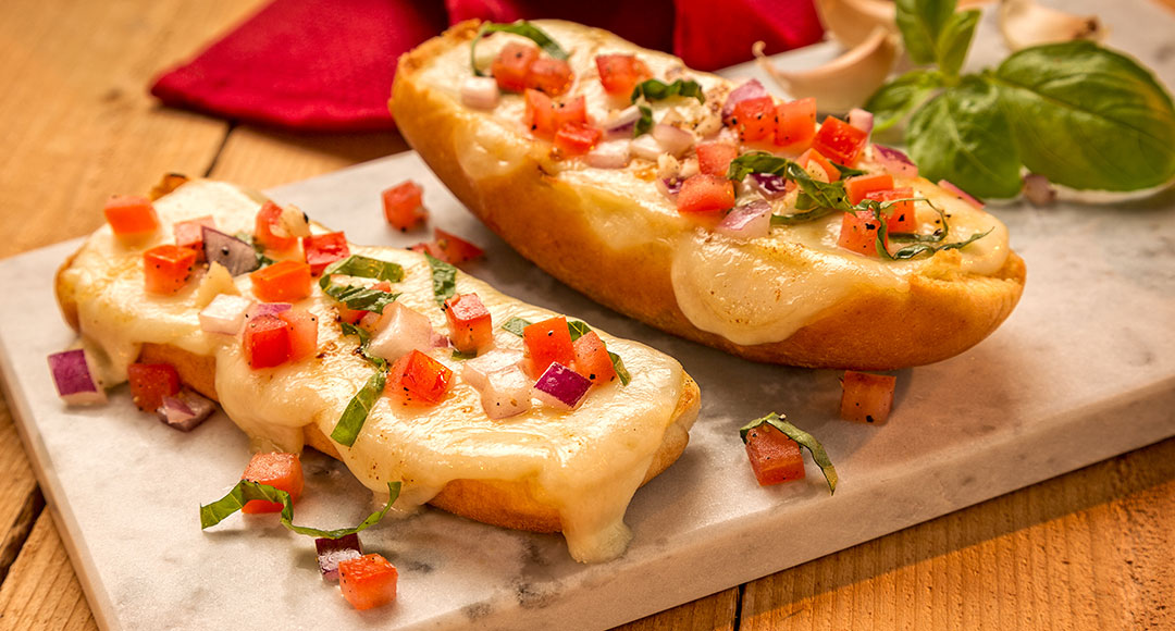 how to make garlic bread with buns